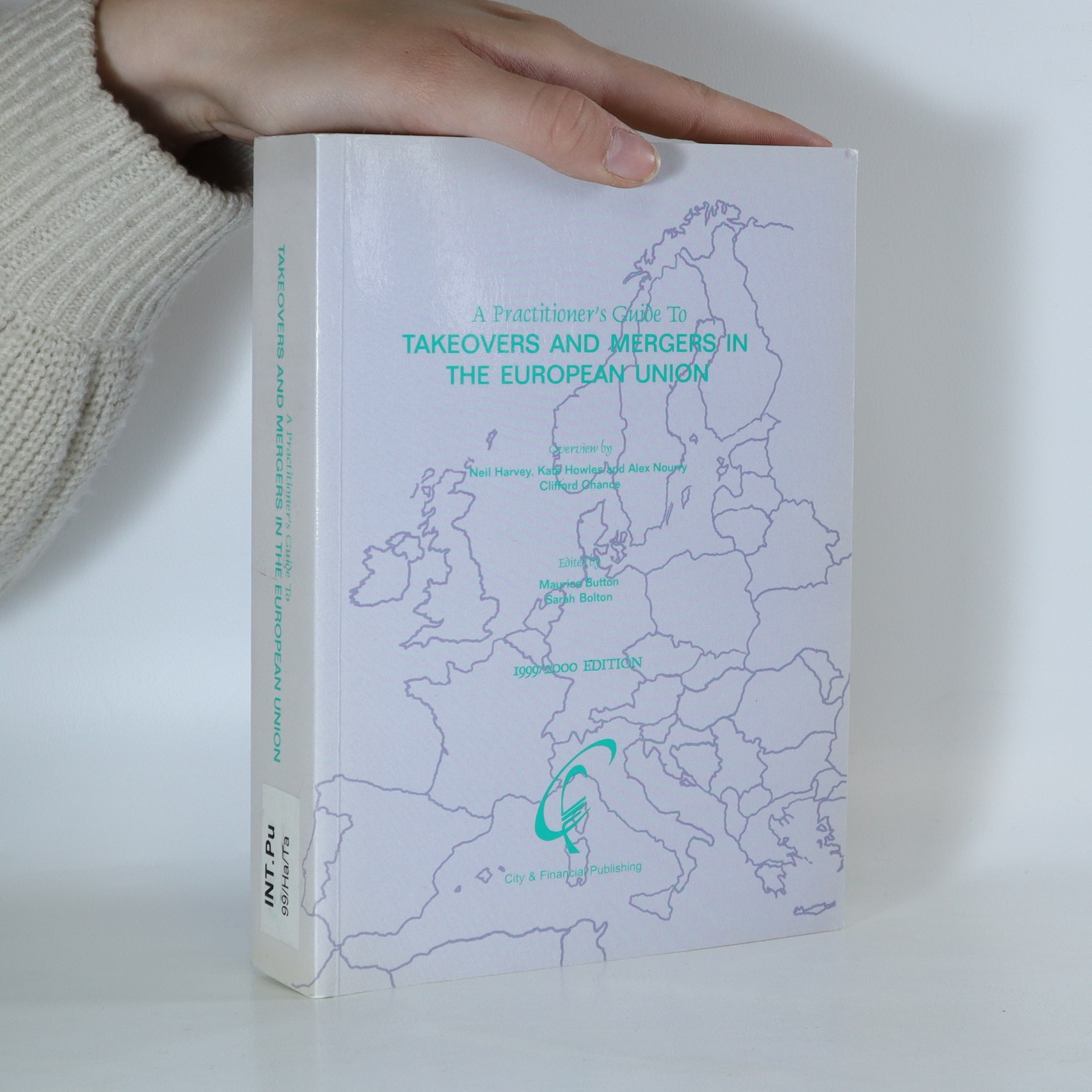 antikvární kniha A Practitioner's Guide to Takeovers and Mergers in European Union, 2000