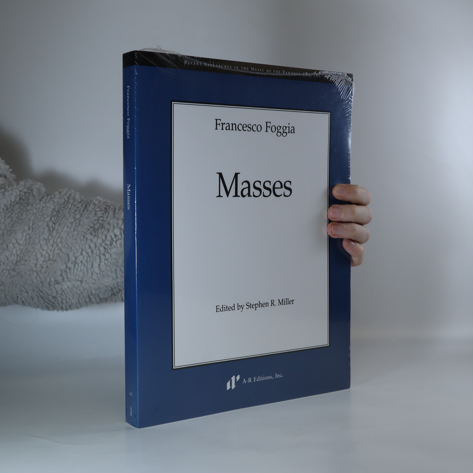 antikvární kniha Masses, 2017