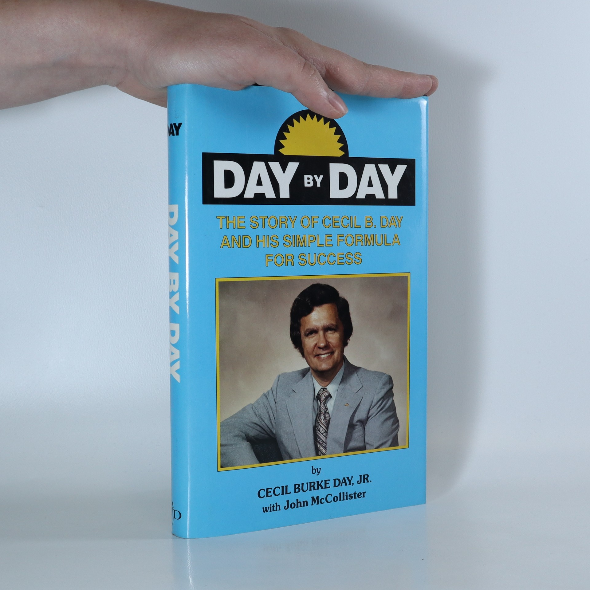 antikvární kniha Day by Day, neuveden