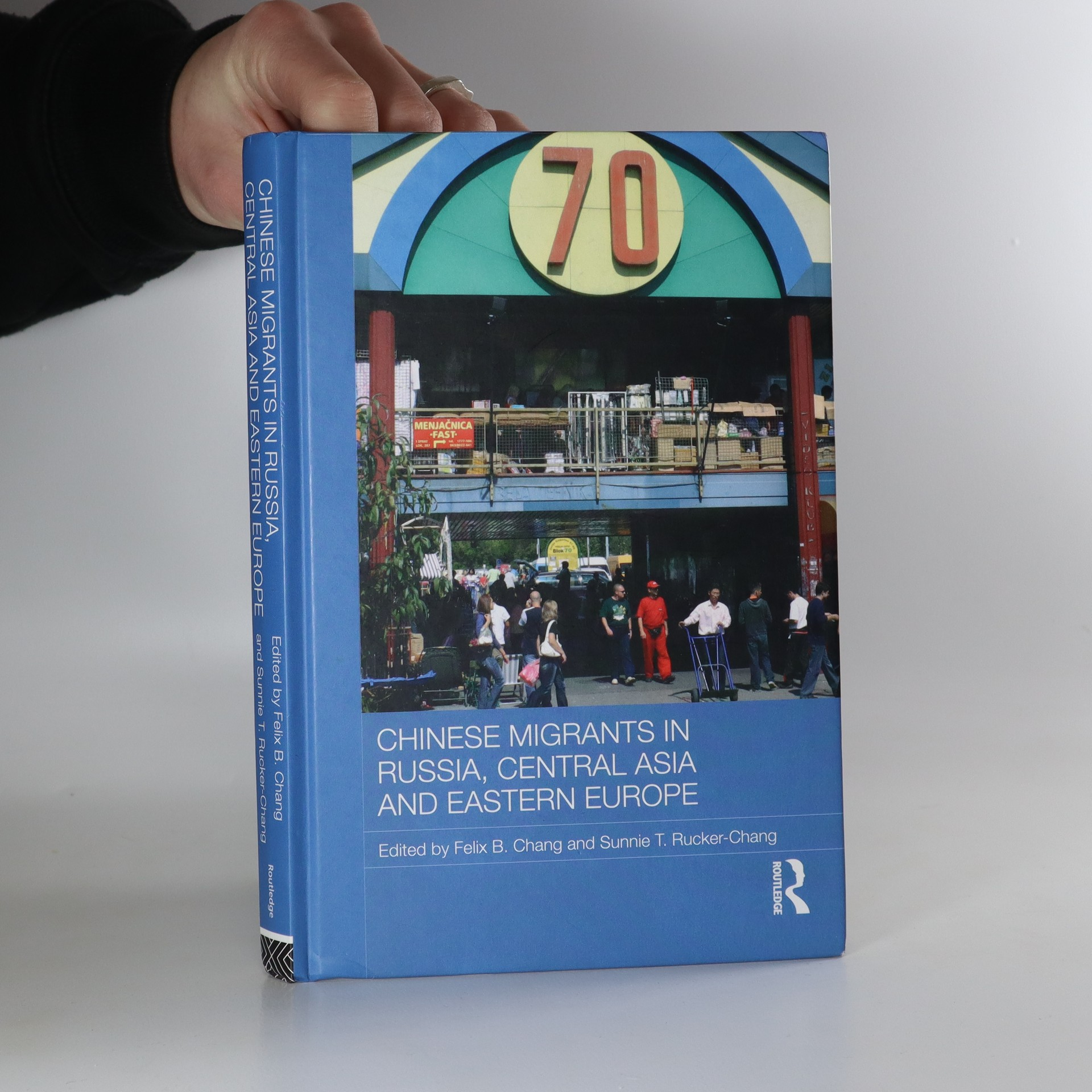 antikvární kniha Chinese migrants in Russia, Central Asia and Eastern Europe, 2011