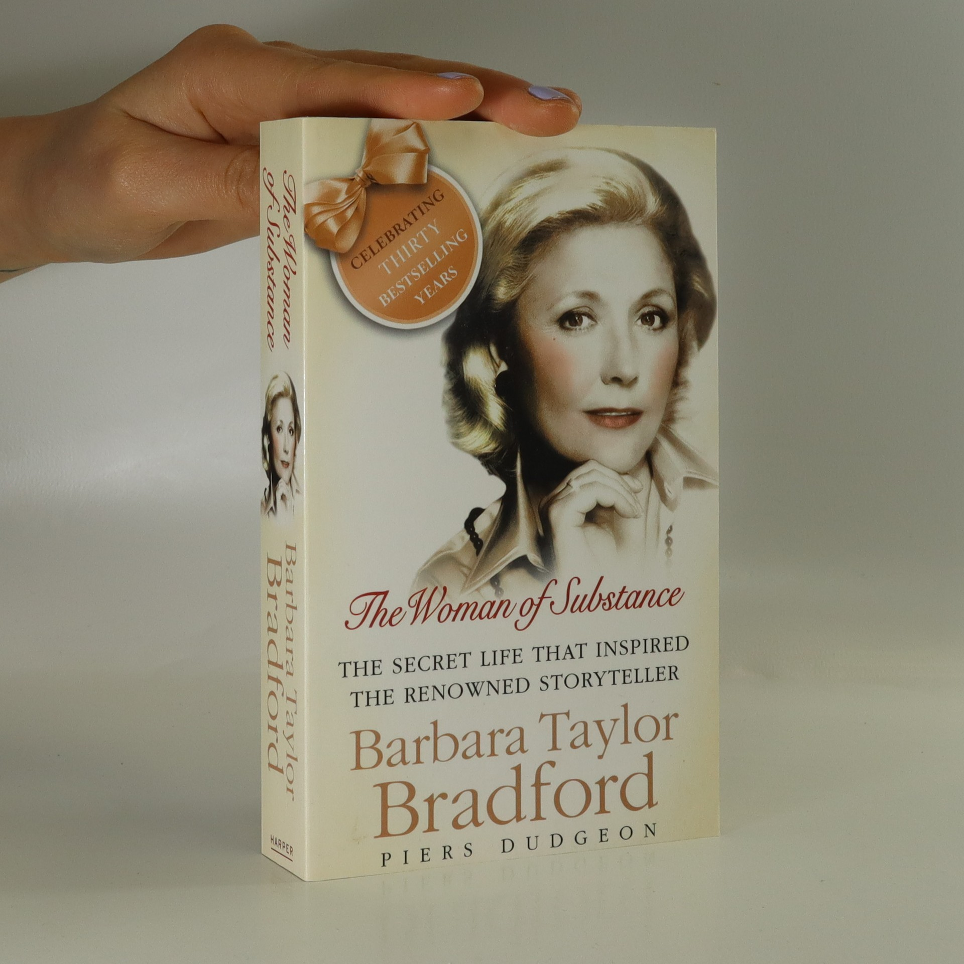 antikvární kniha The woman of substance. The life and books of Barbara Taylor Bradford, 2009