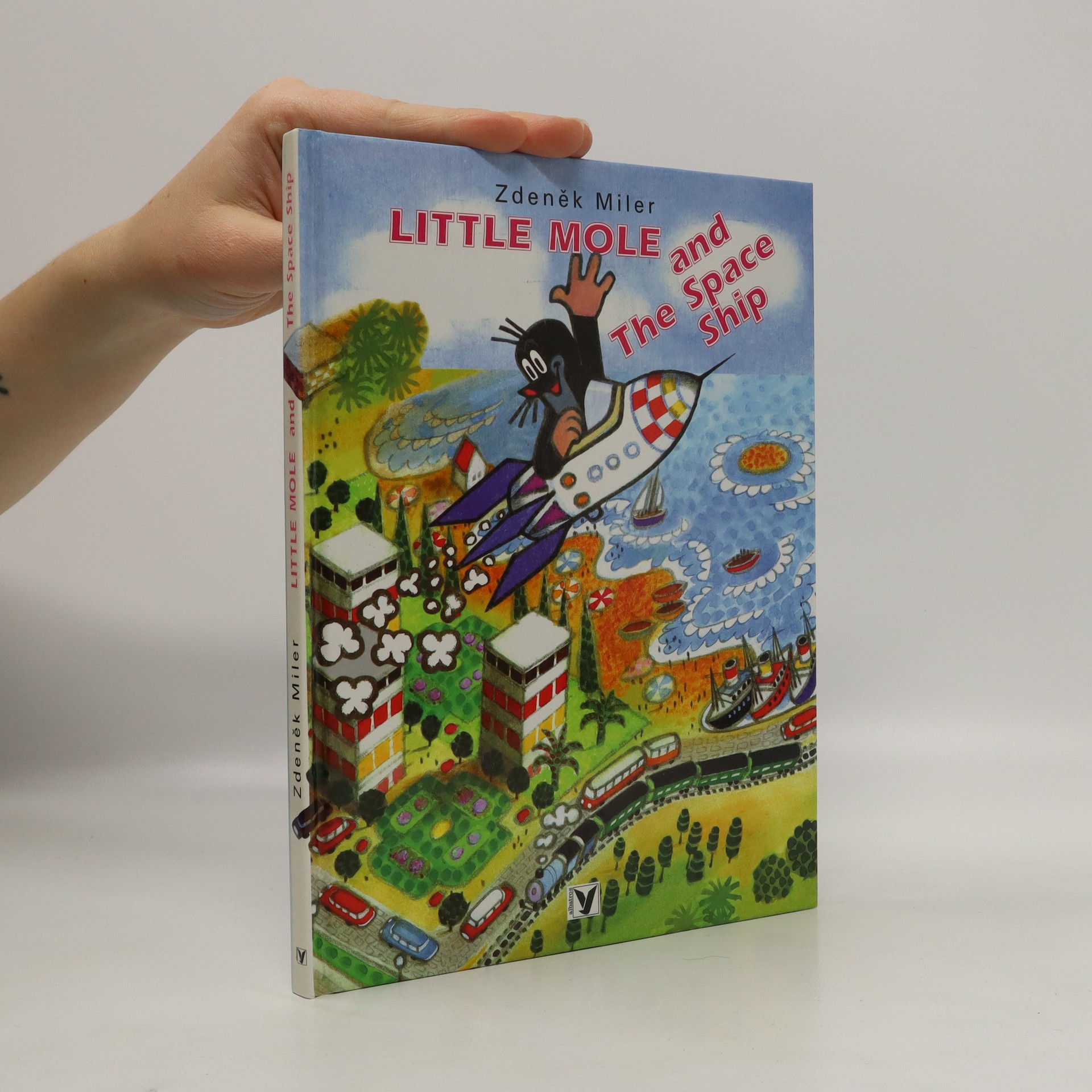 antikvární kniha Little Mole and the space ship, 2000