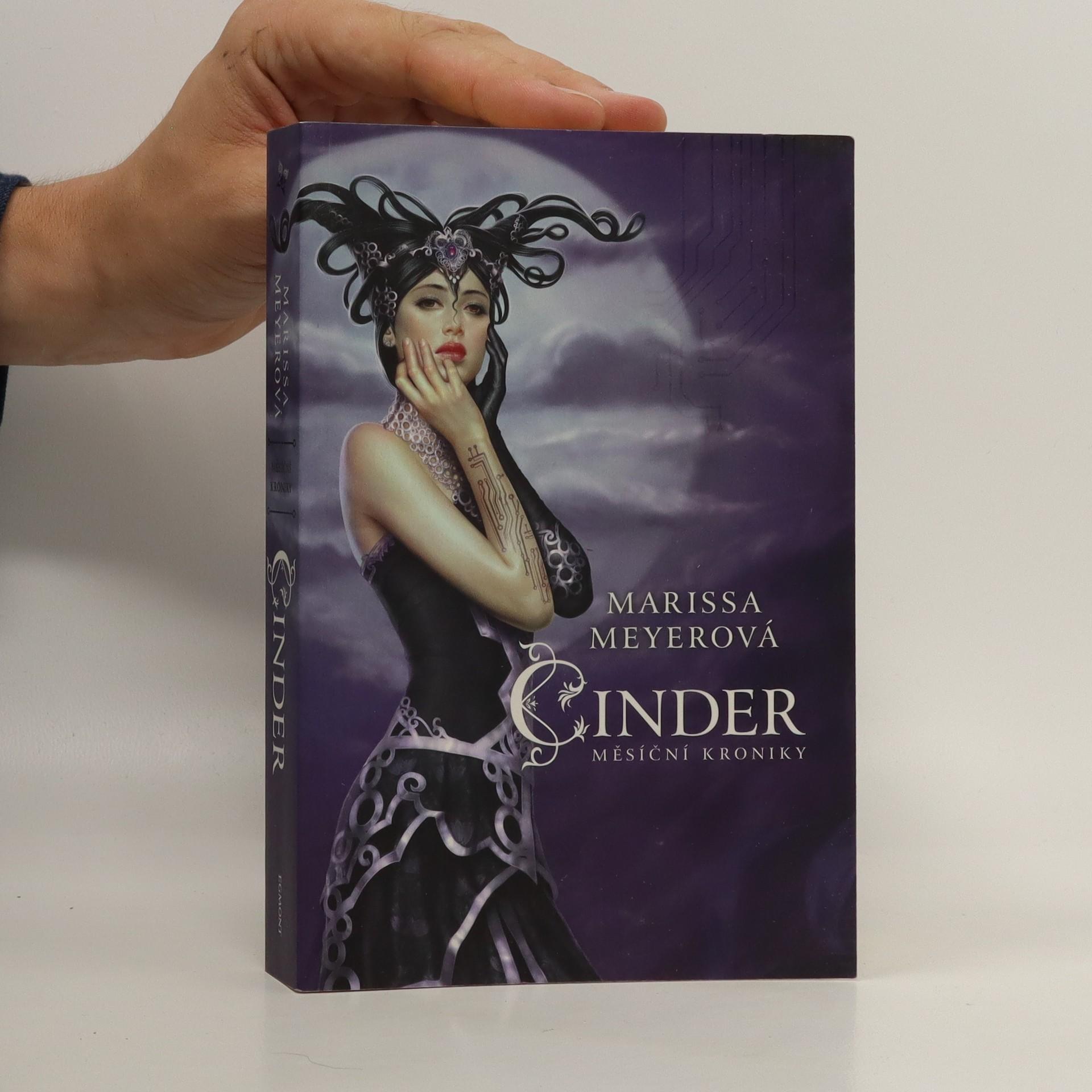 antikvární kniha Měsíční kroniky - Cinder (1. díl série), 2012
