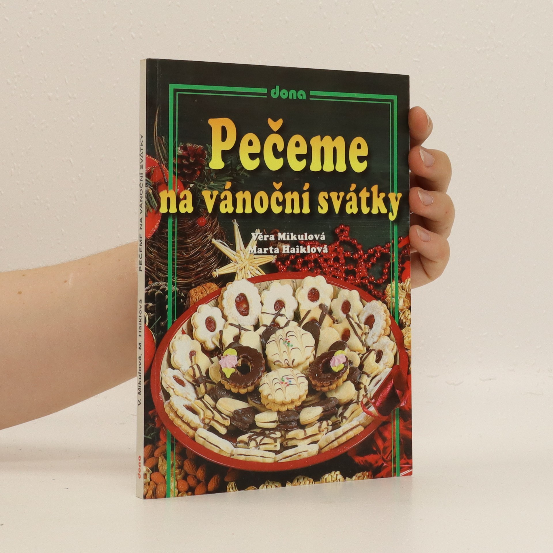 antikvární kniha Pečeme na vánoční svátky, 2002
