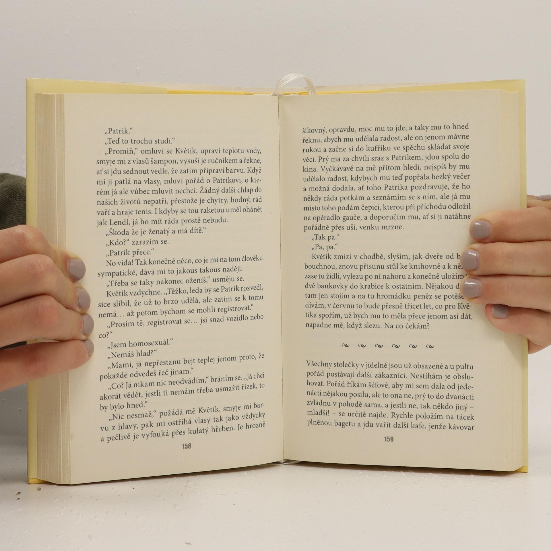 antikvární kniha Román pro ženy, 2001