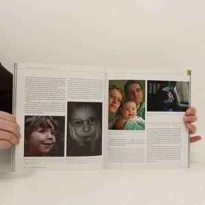antikvární kniha Fotografujeme děti, 2008