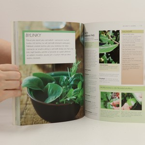 antikvární kniha Potraviny z vlastní zahrady : jednoduchý návod, jak pěstovat ovoce, zeleninu, bylinky a další rostliny, 2013