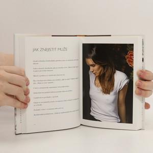 antikvární kniha Jak se stát Pařížankou...ať žijete kdekoli, 2014