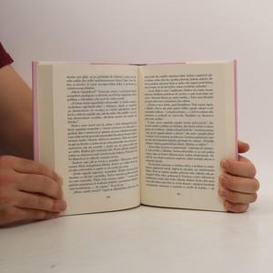 antikvární kniha Olivie se snaží, 2019