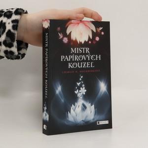 náhled knihy - Mistr papírových kouzel